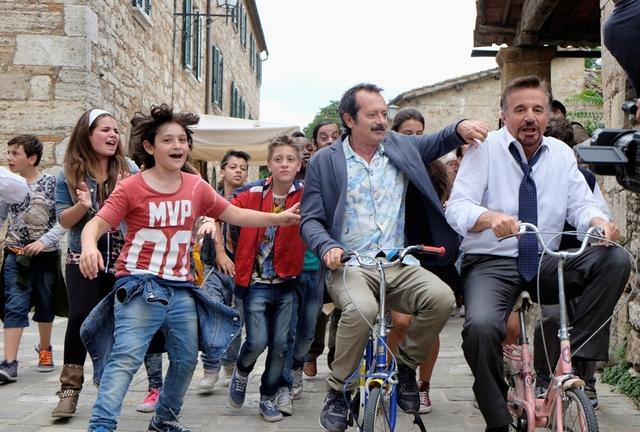 La_Scuola_PiЧ_Bella_Del_Mondo_Foto_Dal_Film_07_mid