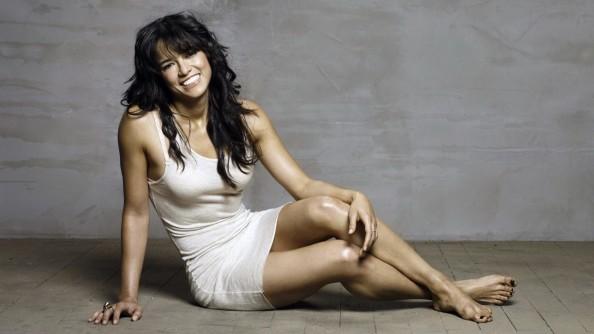 Gina-Rodriguez10