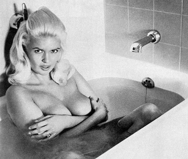"""Jayne Mansfield protagoniza el primer desnudo Hollywood tras la posguerra en """"Promesas, Promesas"""""""