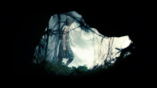 charlotte-gainsbourg-in-una-sequenza-del-film-antichrist-di-lars-von-trier-117222