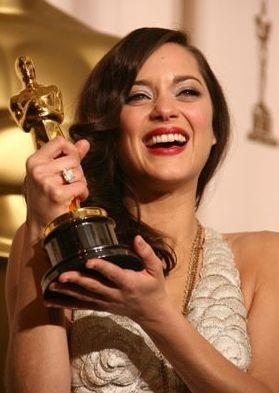 academy-awards-2008-marion-cotillard-vince-l-oscar-come-miglior-attrice-protagonista-per-la-vie-en-rose