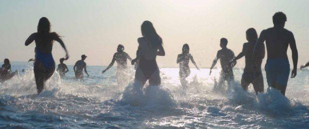 Critique de Mektoub, my love : Canto Un, l'œuvre dionysiaque de Kechiche