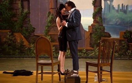 "Megan Fox e Mickey Rourke in ""Passion Play"""