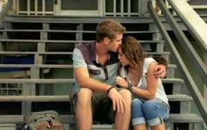 "Liam Hemsworth e Miley Cyrus in ""The Last Song"""