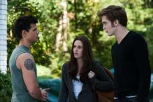 Taylor Latuner, Kristen Stewart e Robert Pattinson (Jacob, Bella e Edward)
