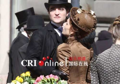 "Robert Pattinson sul set di ""Bel Ami"""