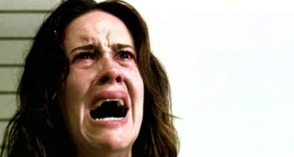 Sarah Paulson nei panni di Lana Winters