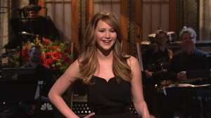Jennifer Lawrence, mattatrice al Saturday Night Live