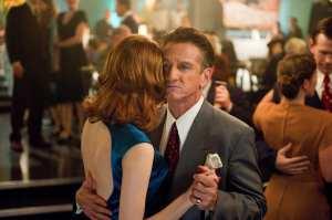 Emma Stone e Sean Penn in una scena di Gangster Squad