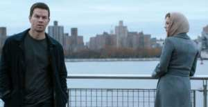 Mark Wahlberg e Catherine Zeta-Jones in una scena di Broken City