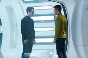 Benedict Cumberbatch e Chris Pine nella nuova clip di Into Darkness - Star Trek