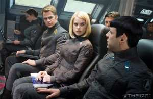 Chris Pine, Alice Eve e Zachary Quinto in Into Darkness - Star Trek