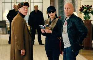 John Malkovich, Mary-Louise Parker e Bruce Willis in Red 2