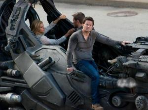 "Mark Wahlberg sul set di ""Transformers: Age of Extinction""."