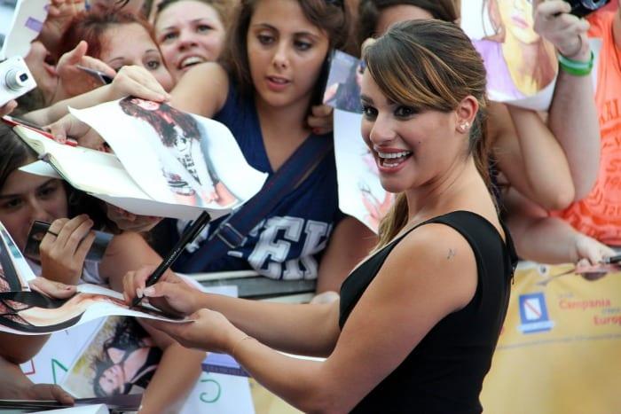 Lea Michele saluta il pubblico    © Giffoni Film Festival / Flickr