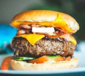Un cheeseburger