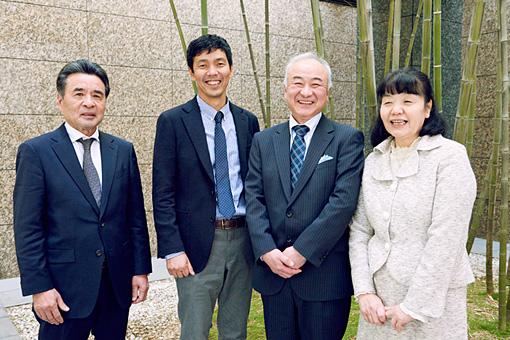 左から:硫黄島地区会の安永孝、徳田健一郎、ノルテ・ハポン事務局の齋藤寛幸、若林美津子