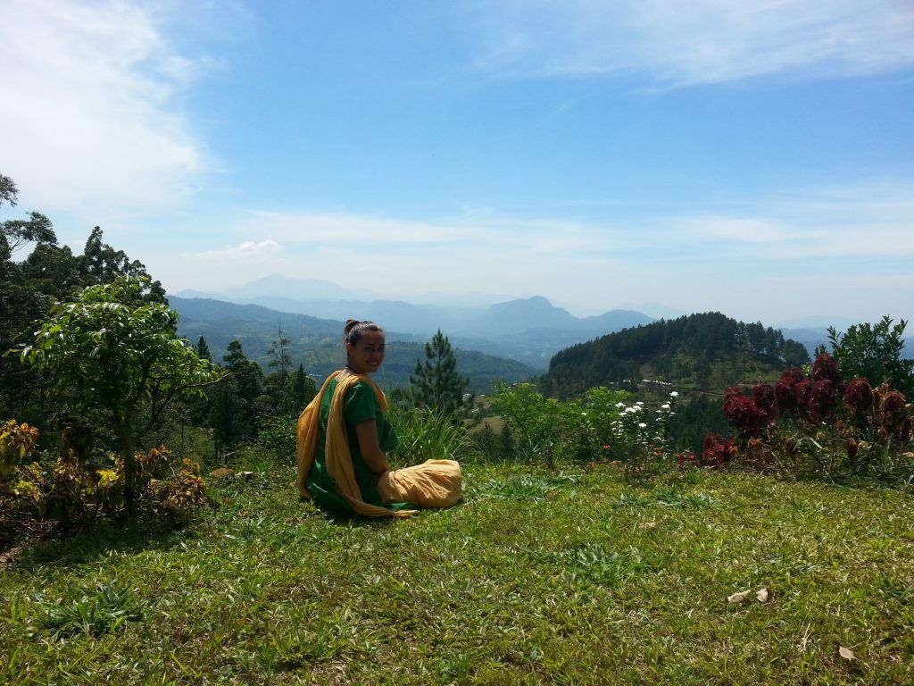 Meditando en Nilambe- Cintia's Love in Action