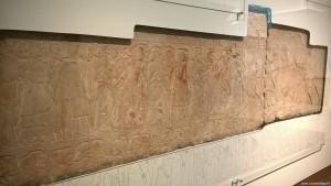 Bologna, rilievo tomba con scribi