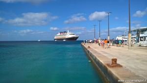 MSC Opera in ancoraggio alle Isole Cayman