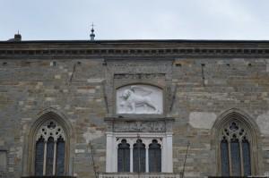 Bergamo Alta, Palazzo della Ragione, particolare bassorilievo Leone di San Marco con libro aperto