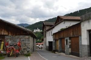 Abbazia di Monte Maria vista dal paese di Burgusio