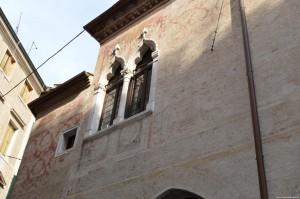 Treviso, Cà Dei Ricchi, affreschi esterni