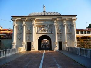 Treviso, Porta San Tomaso (foto Wikipedia)