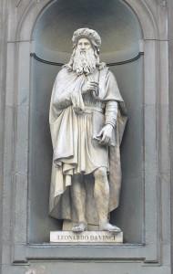Leonardo da Vinci, statua nel piazzale degli Uffizi, Firenze