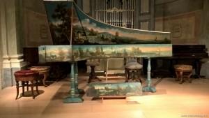 Bologna, Complesso Colombano, collezione Tagliavini di strumenti musicali, clavicembalo del 1685