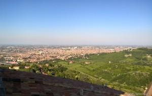 Bologna, vista sulla città dalla terrazza panoramica del Santuario San Luca