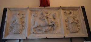 Cesena, Biblioteca Malatestiana, scultura San Giorgio e il Drago