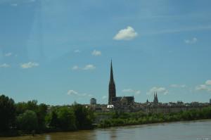 Bordeaux, Chiesa di Saint Michel, sullo sfondo le guglie della Cattedrale