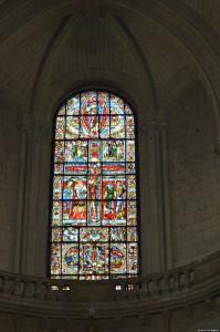 Poitiers, Cattedrale di Saint Pierre, vetrata crocifissione