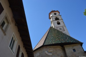Nova Ponente, Chiesa parrocchiale
