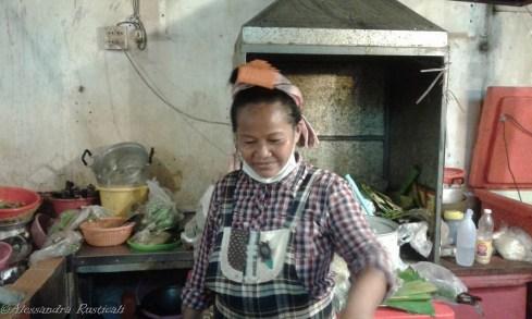 la cuoca di Esan food