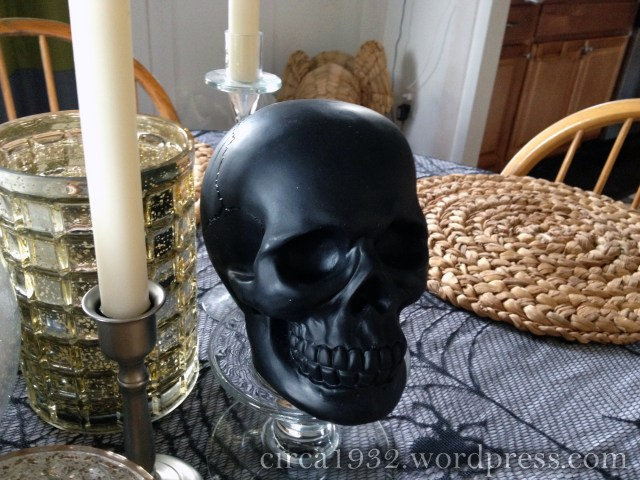 halloween tablescape skull