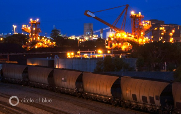 Australia coal train export port of newcastle new south wales natural gas coal seam gas LNG