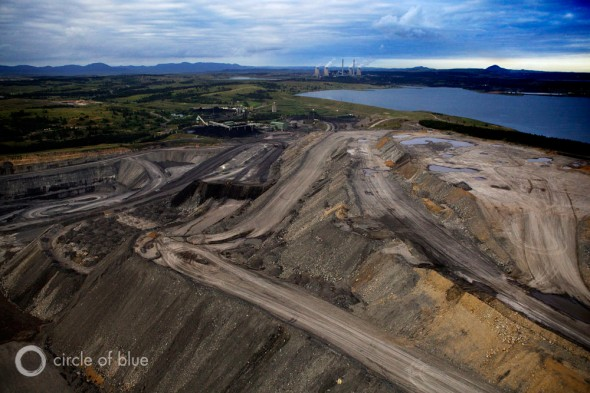 Australia coal export port of newcastle new south wales hunter valley natural gas coal seam gas LNG