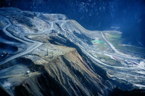 gasberg gold copper mine West Papua Indonesia mining water pollution otomina akjaw river earthwork miningwatch canada