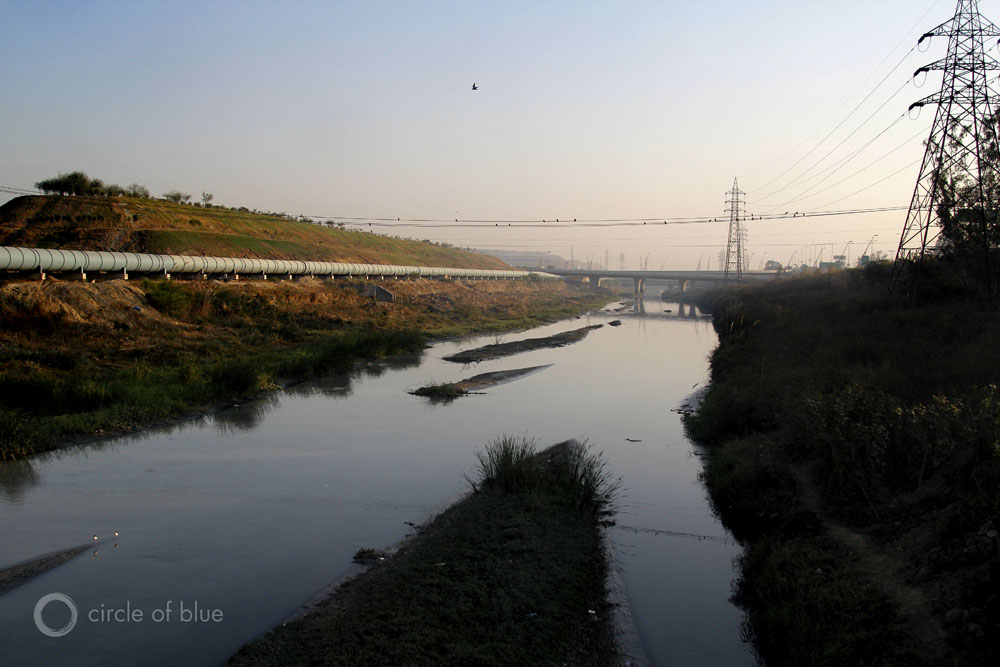 India Chandigarh Haryana Punjab irrigation groundwater well pump surface water canal river reservoir farming water food energy coal mining electricity linking electrical generating farm farming water food energy choke point circle of blue wilson center aubrey ann parker