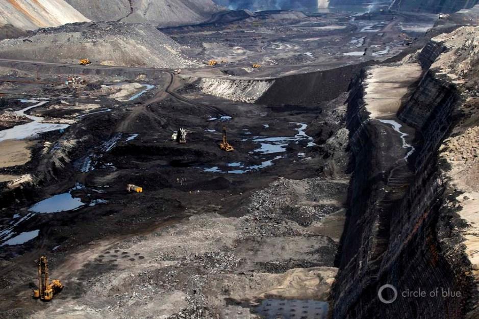 Gevra open-pit mine Coal India Southeastern Coalfields Ltd. Chhattisgarh coalbelt mining miner industry water food energy choke point circle of blue wilson center aubrey ann parker