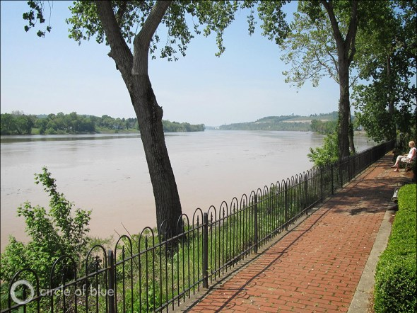 Many of the authors of the Northwest Territories Ordinance of 1787, which expanded the United States to lands along the Ohio River, south of the Great Lakes, and east of the Mississippi River, settled in Marietta, Ohio on the river's northern bank.