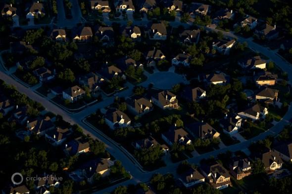 Central Texas Austin population urban growth water supply suburb housing development lake travis lake buchannan colorado river j. carl ganter circle of blue
