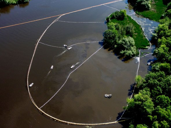 Kalamazoo River Michigan oil spill Enbridge dilbit diluted bitumen pipeline