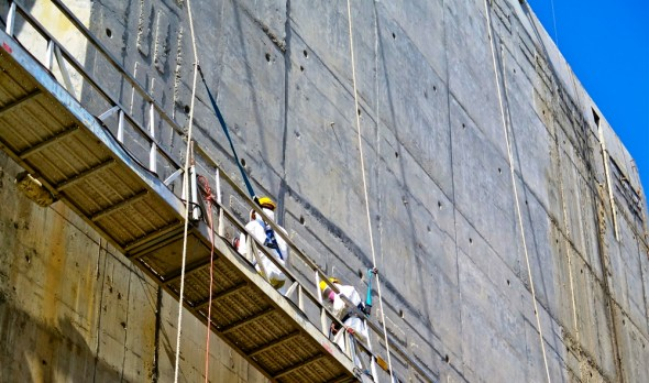 Panama Canal expansion construction worker locking chamber infrastructure shipping global trade Keith Schneider Circle of Blue