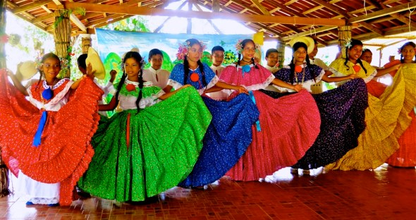 Panama Quebrada Ancha dance economy development