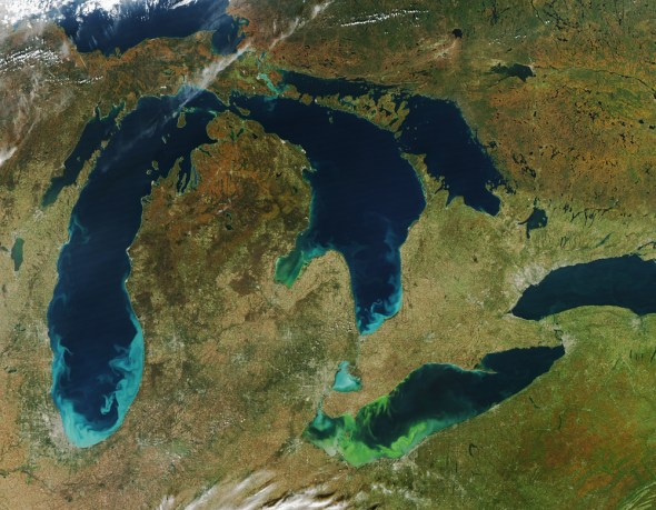 Michigan Great Lakes aerial satellite photo from space Lake Erie toxic algae bloom nutrient pollution 2011 bloom forecast Jeff Schmaltz NASA