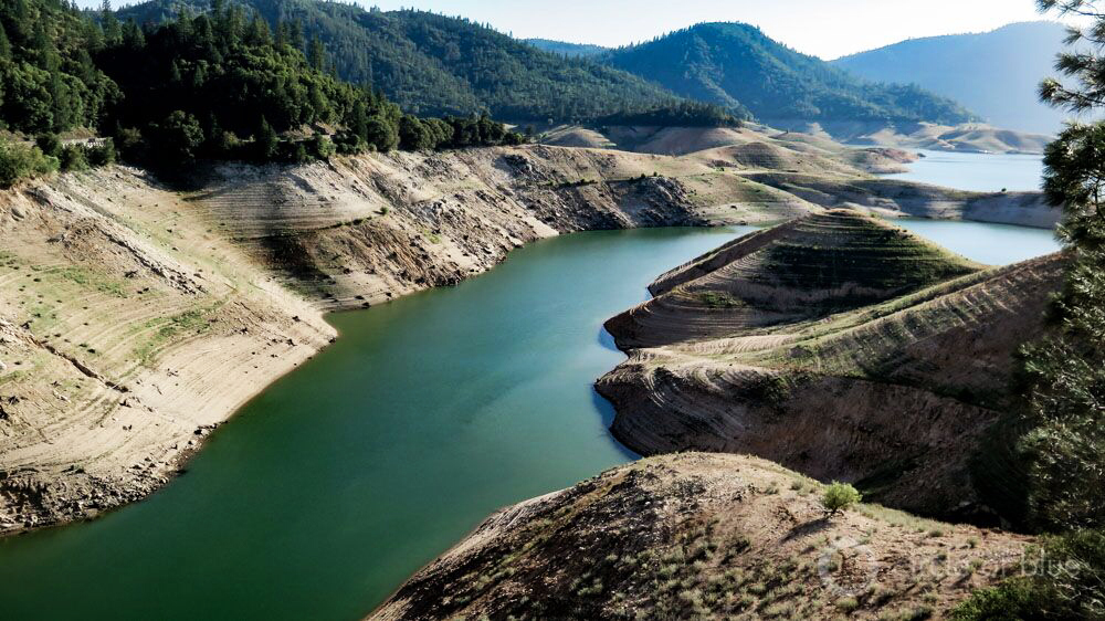 Lake Oroville dam California drought reservoir level
