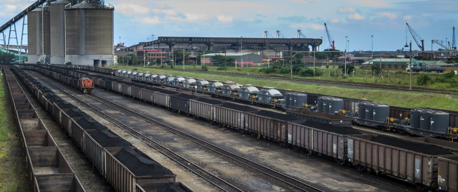 The coal terminal at Richards Bay, an Indian Ocean port in KwaZulu-Natal province, is where South Africa ships most of the 70 million metric tons of coal it exports annually. Photo © Keith Schneider / Circle of Blue